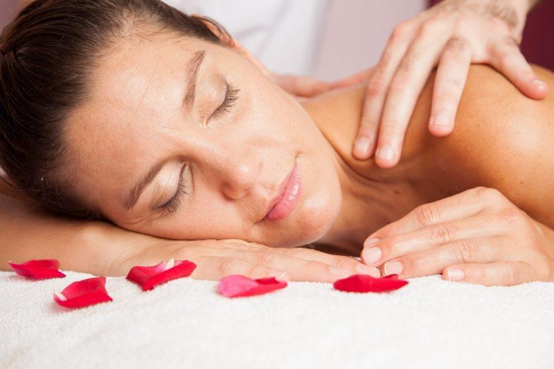 Možná byste to neřekli, ale čím pomalejší pohyby při masáži budete provádět, tím lépe.