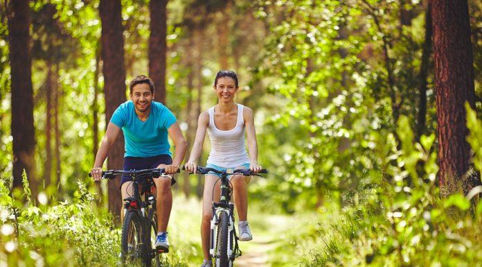 Spojením léků na stres je cyklistika. Je přece mnohem hezčí dívat se po krajině a po lidech kolem než se v posilovně dívat na promítací plátno.