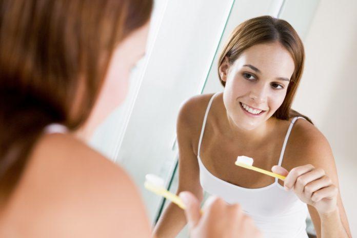 Díky čistění totiž zabíjíme bakterie v dutině ústní, což není samozřejmě špatné, ale na druhou stranu ne všechny bakterie obsažené v jídle jsou škodlivé.
