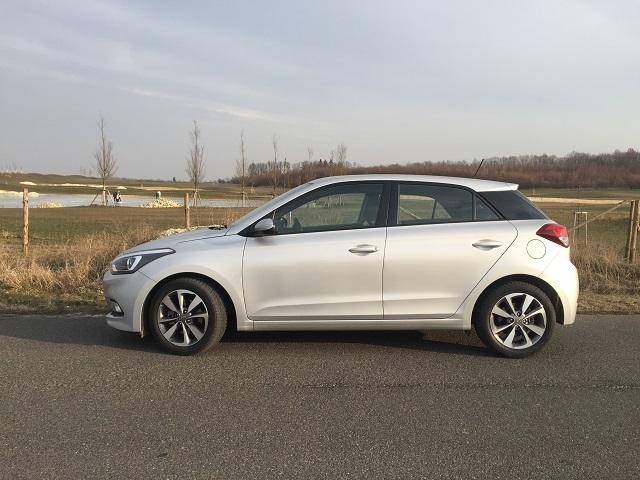 Hyundai i20 – z bočního pohledu nejvíce upoutá výrazný C sloupek