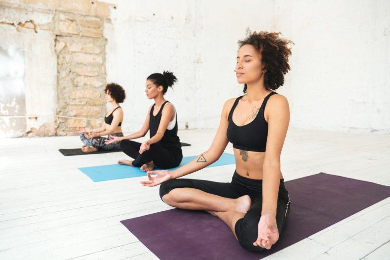 Dýchání je totiž jedním z hlavních aspektů jógy.