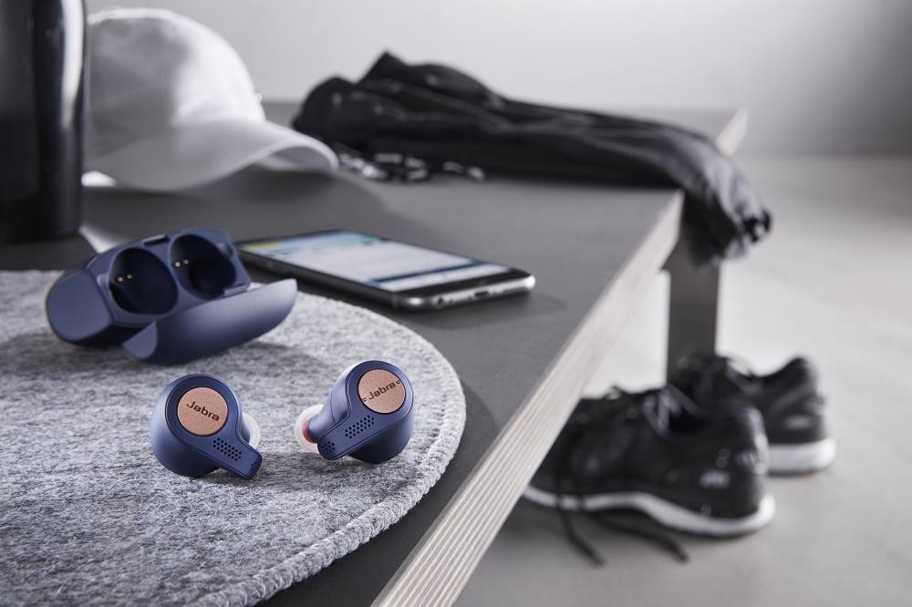 Jabra Elite Active 65t se vyznačují krytím IP56 a 2letou zárukou proti poškození v důsledku působení potu a prachu.