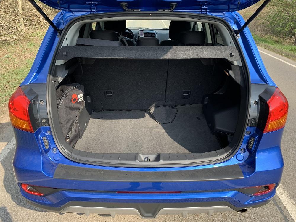 Objemný zavazadlový prostor s hodnotou 488 l, po sklopení zadních sedadel až 1 219 l