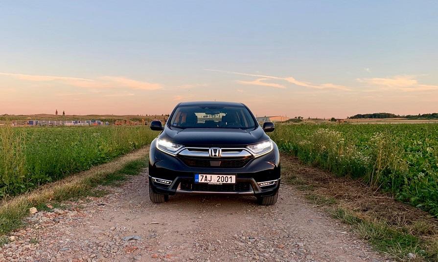 Honda CR-V je ve zkratce elegantní moderní SUV s progresivním pohonem.